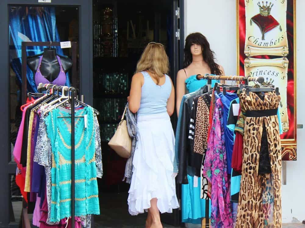How to start a fashion boutique store